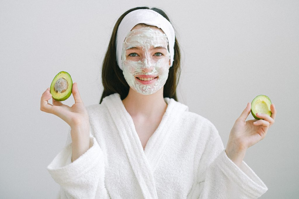 woman-woth-face-mask
